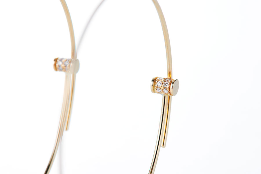 In memory diamond line hoop pierce3